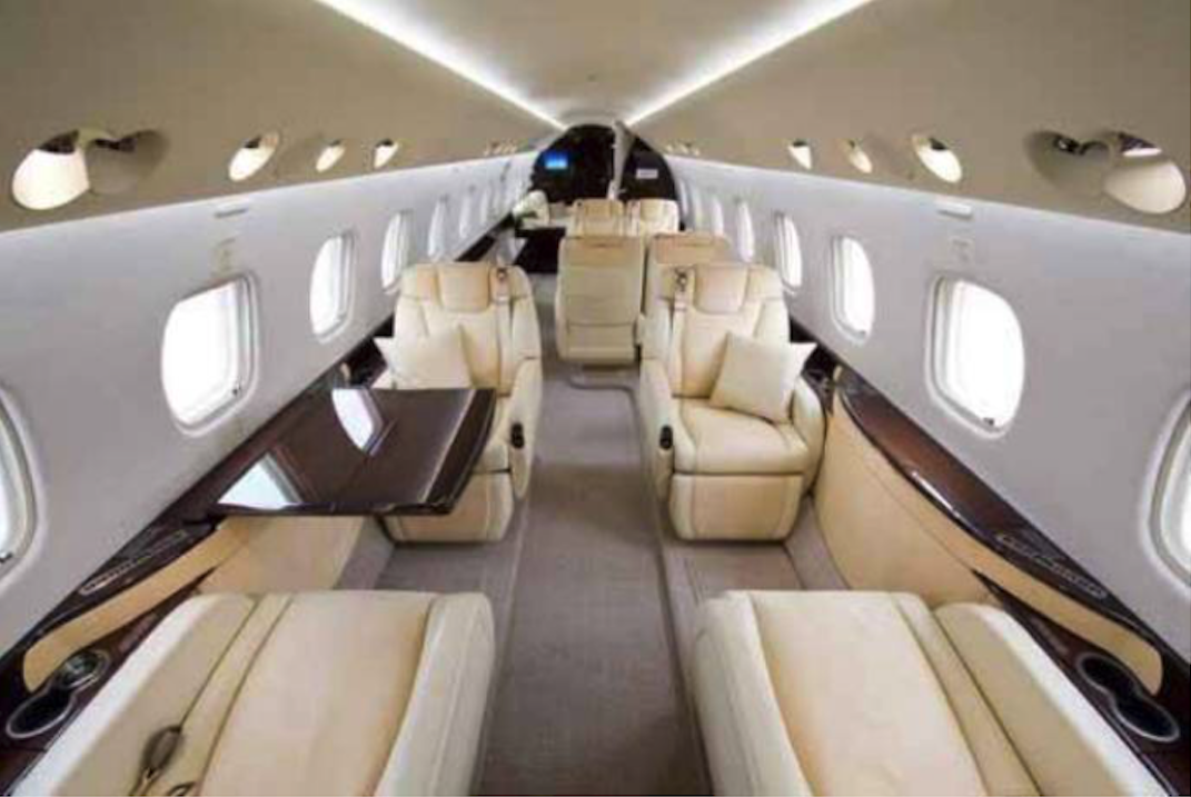 Kabina samolotu Embraer Legacy 600. 2005 rok. Zdjęcie Embraer