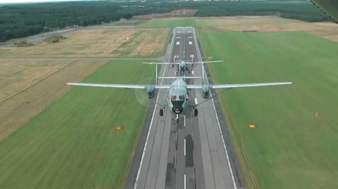 Siemirowice Lotnisko i samoloty M-28 Bryza. 2010r.