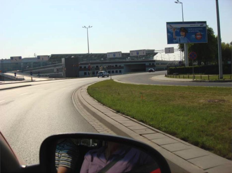 Wjazd na Lotnisko Okęcie. 2009 rok. Zdjęcie Karol Placha Hetman