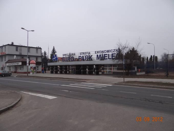 Główne wejście na teren SSE Euro Park Mielec, a do 1995r. WSK PZL Mielec. 2012r.