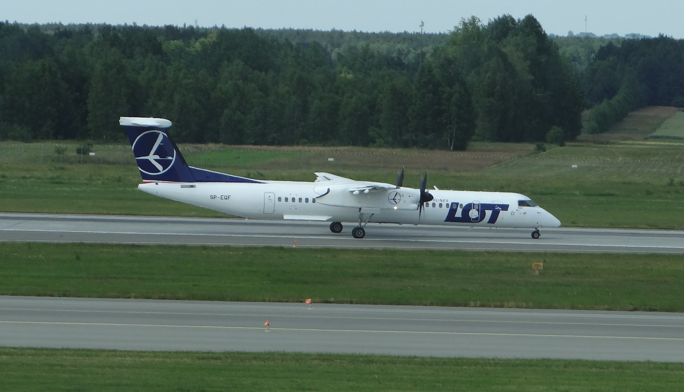 The airport Katowice Pyrzowice. PLL LOT Bombardier Q-400. 2019. Photo by Karol Placha Hetman