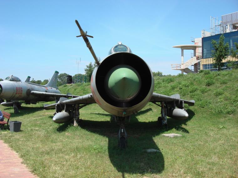 Suchoj Su-7 BM nb 06 w Muzeum Lotnictwa Czyżyny. 2007 rok. Zdjęcie Karol Placha Hetman