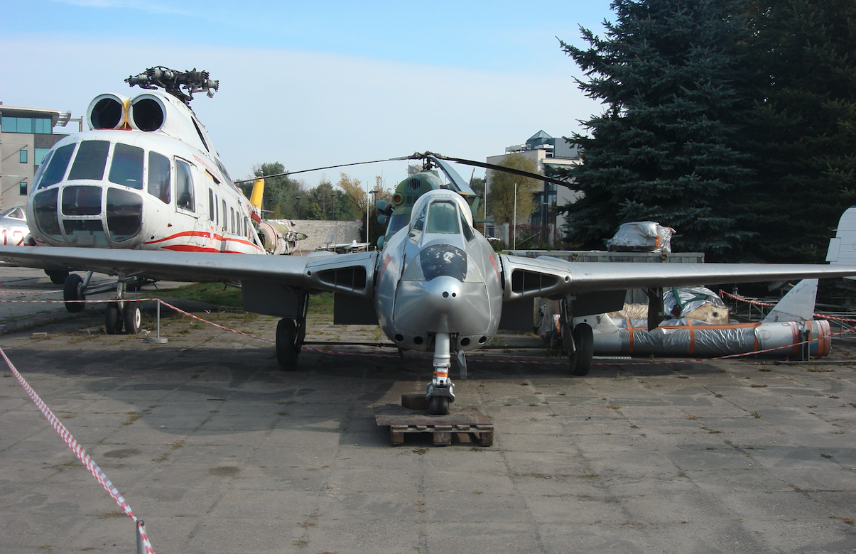 D.H. 100 Vampire FB Mk.6 nb J-1142. 2010 rok. Zdjęcie Karol Placha Hetman