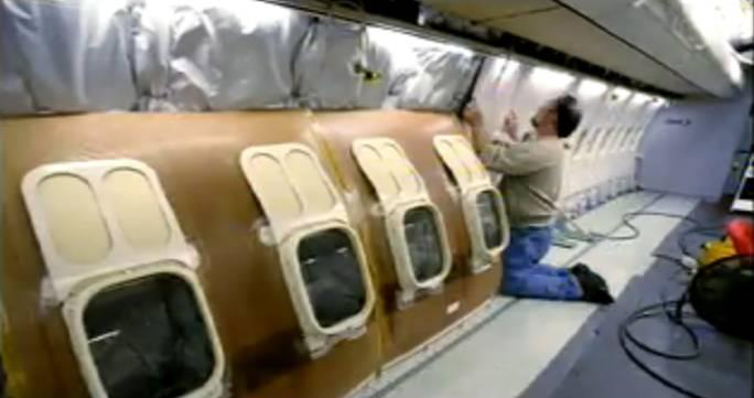 Instalowanie bocznych ścianek. Renton 2011r.