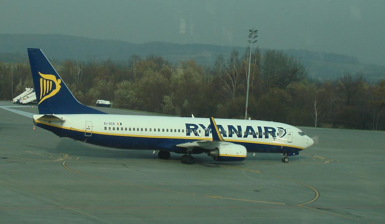 Boeing B.737-800, rejestracja EI-DCK, firmy Ryanair. Balice 2009 rok. Zdjęcie Karol Placha Hetman