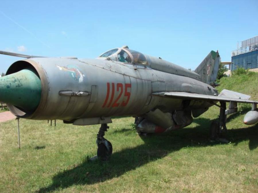 MiG-21 R nb 1125 w muzeum w Czyżynach. 2007 rok. Zdjęcie Karol Placha Hetman