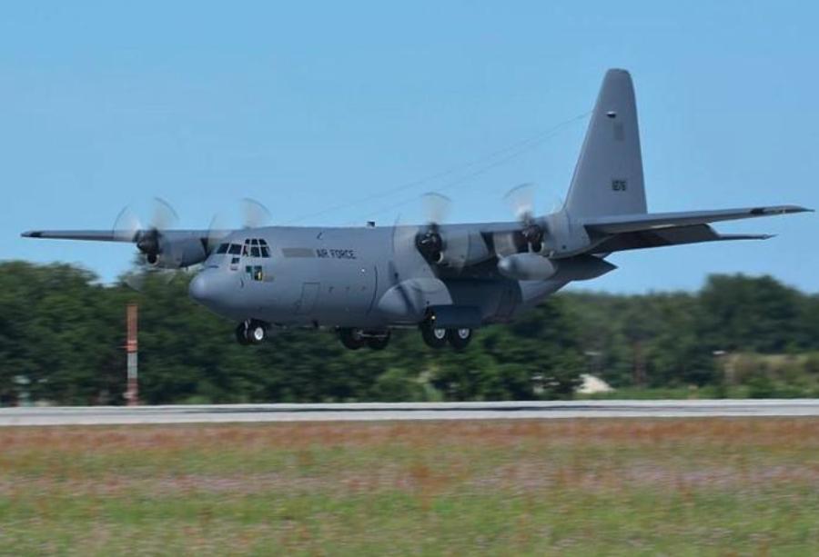 Przylot C-130 nb 1505. 2012-07-23 rok. Zdjęcie 33. BLTr.