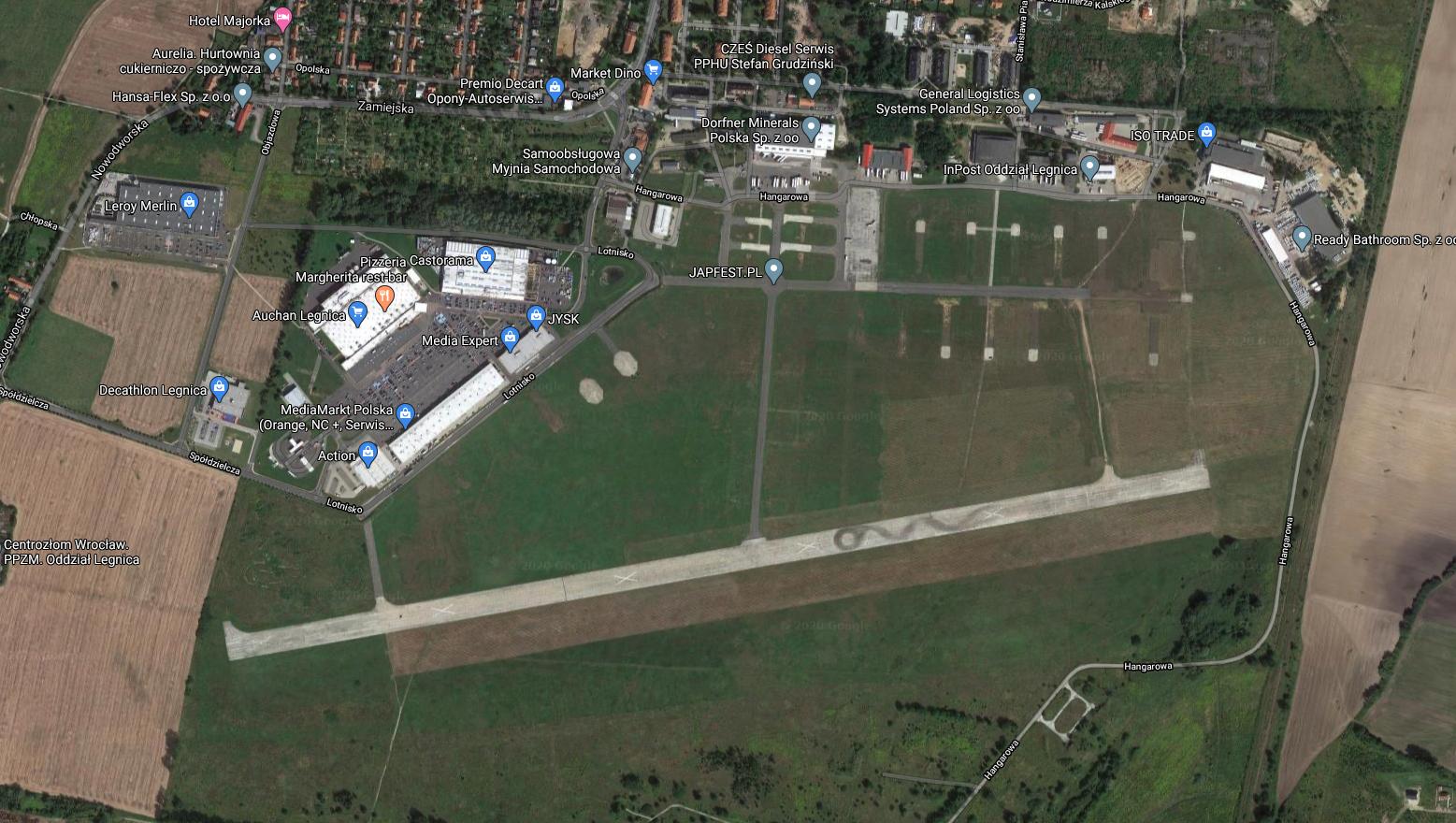 Lotnisko Legnica, widok z satelity. 2020 rok. Zdjęcie LAC