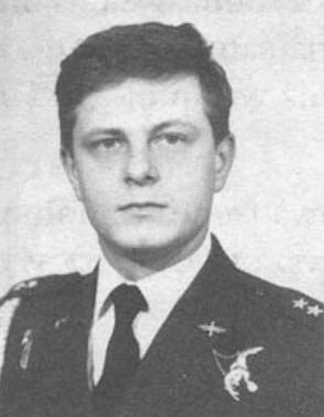 Kapitan pilot Grzegorz Falenta. Photo by LAC