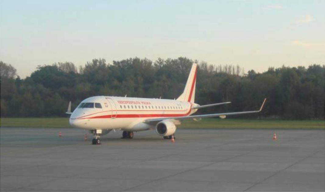 Embraer 175 SP-LIG Balice 2011 rok. Zdjęcie Karol Placha Hetman
