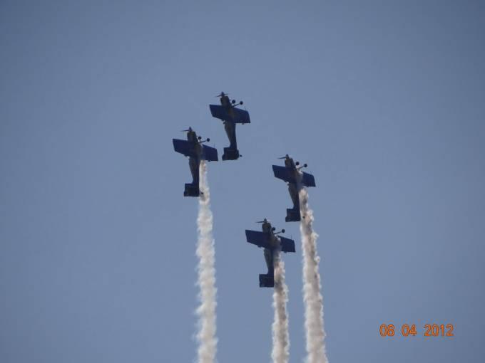 The Flying Bulls nad Jeziorem Niegocin 2012r.