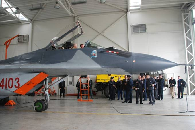 MiG-29 nb 4103 nb 26301 eks-niemiecki. Litwa 2012r.