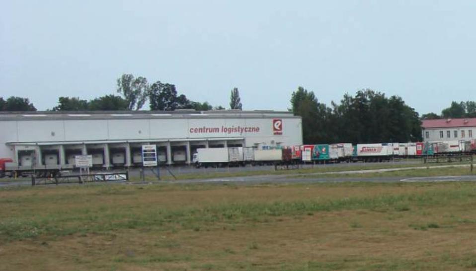 Tu był kiedyś hangar Nr 1. Obecnie Centrum Logistyczne EKO. 2010 rok. Zdjęcie Karol Placha Hetman
