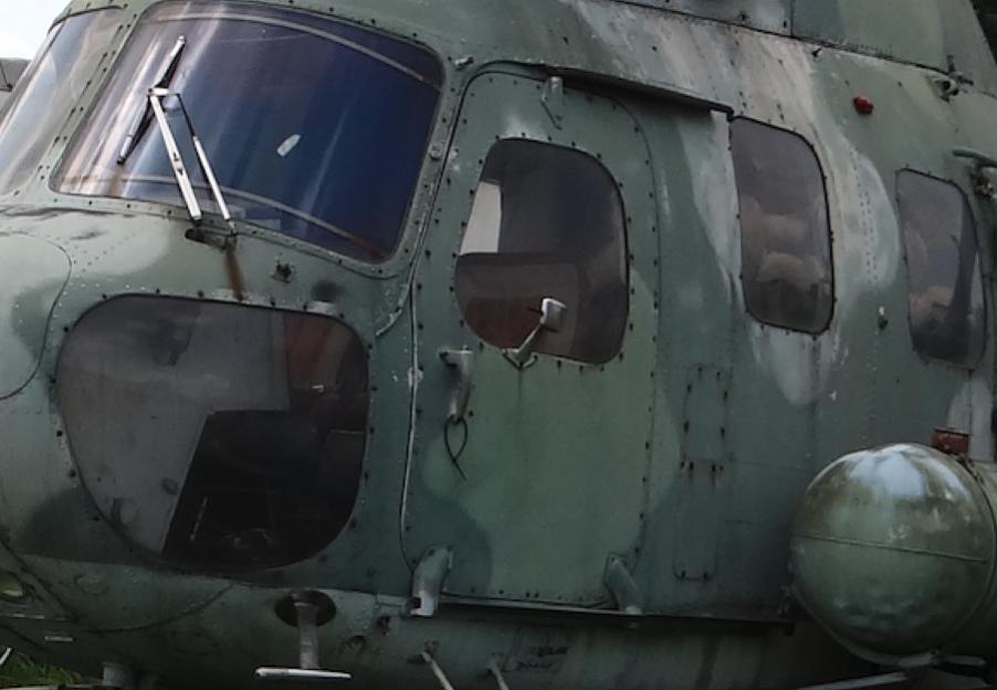 Mi-2. Duże drzwi odsuwane do tyłu. 2010 rok. Zdjęcie Karol Placha Hetman
