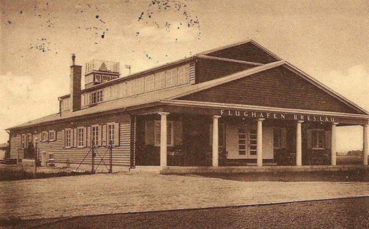 Gądów Mały airport. Around 1926. Photo of LAC