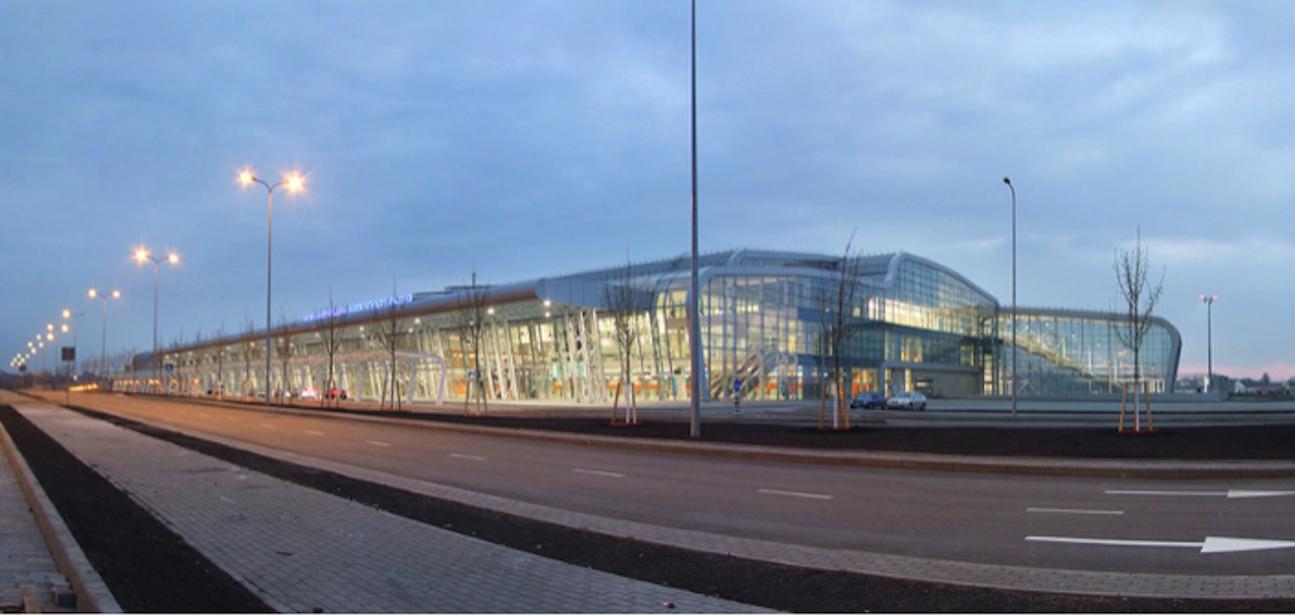 Nowy terminal. 2012 rok. Zdjęcie Panoramo-Lviv
