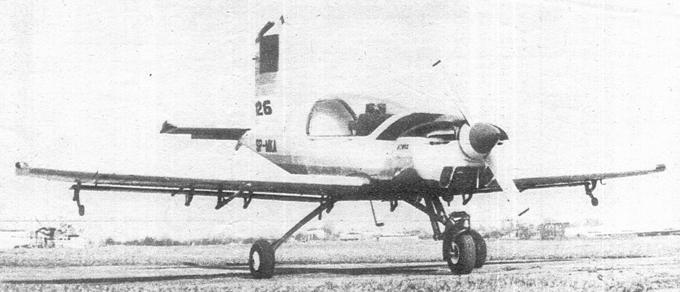 Pierwszy prototyp PZL-126 Mrówka rejestracja SP-MKA. PZL-Okęcie. 1990r. Zdjęcie W. Grabarczyk