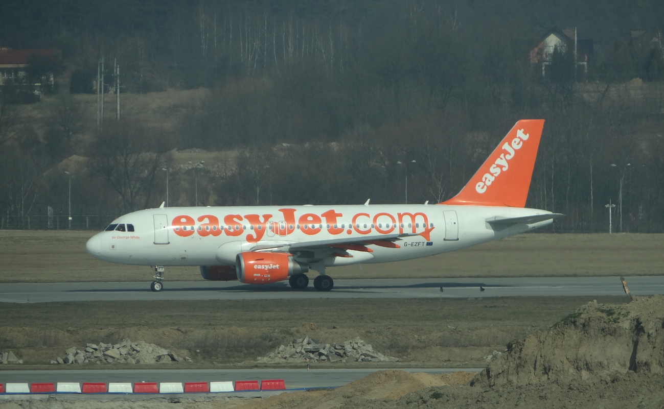 Airbus A-319 G-EZFT. 2014 rok. Zdjęcie Karol Placha Hetman