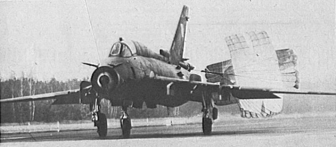 Prawdopodobnie pierwsze lądowanie Su-22 na Lotnisku Mirosławiec. 1986r.