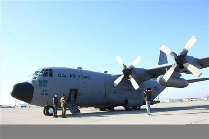 C-130 E Herkules nb RS 73 299, który trafił do 14 ELTr z nb 1506. Okęcie 2009r.