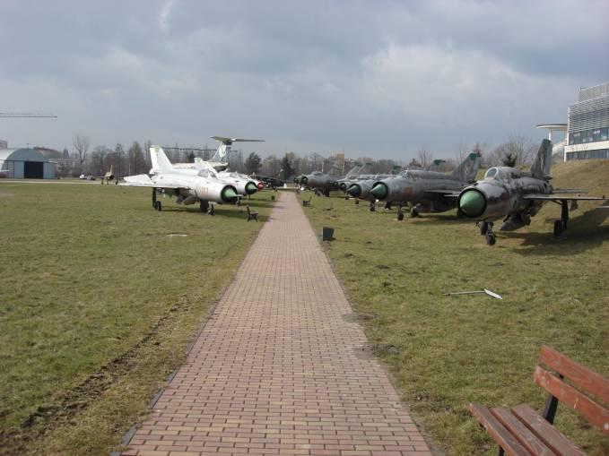 Aleja MiG-21 w MLP. Czyżyny 2009r.