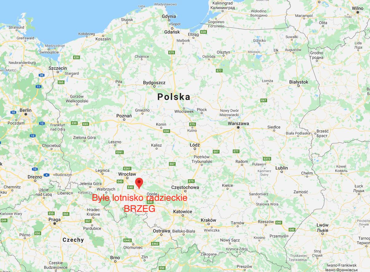 Lotnisko Brzeg na mapie Polski. 2010 rok. Zdjęcie LAC