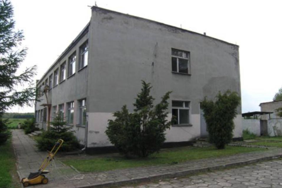 Budynek koszarowy. 2009 rok. Zdjęcie AMW