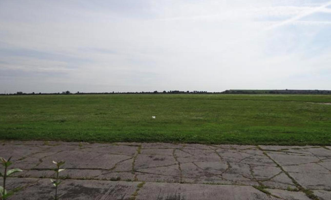 Lotnisko Gliwice. Pole wzlotów. 2012 rok. Zdjęcie Karol Placha Hetman