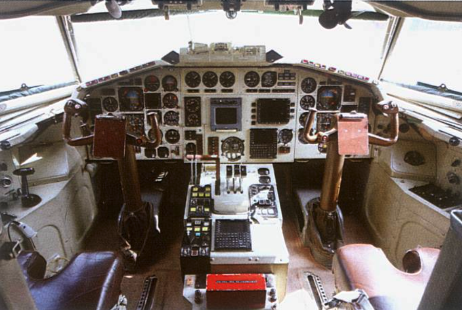 January 2010. Tu-154 M nb 101 after returning from renovation in Russia. Crew cabin. Photo of LAC