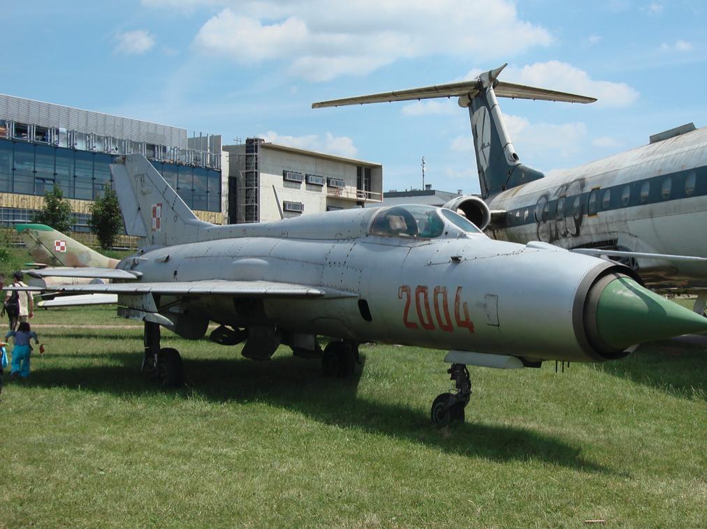 MiG-21 PF nb 2004. Czyżyny 2007 rok. Zdjęcie Karol Placha Hetman