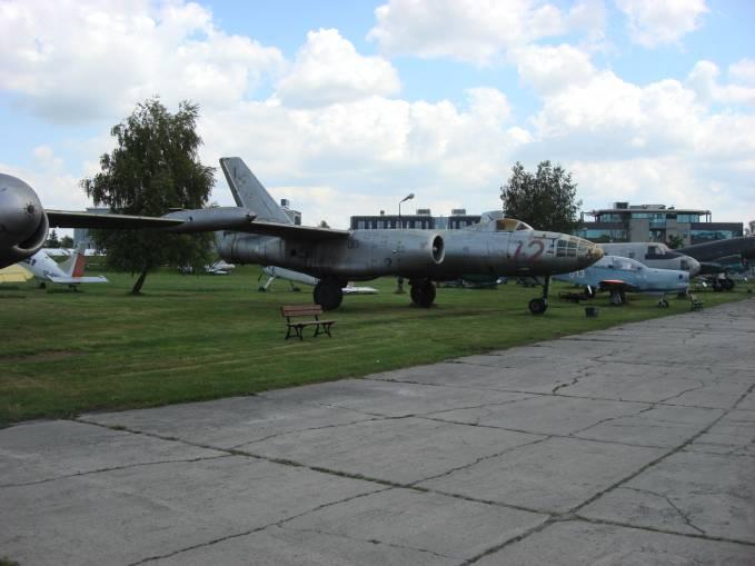 Ił-28 nb 72 użytkowany w Powidzu. Czyżyny 2009r.