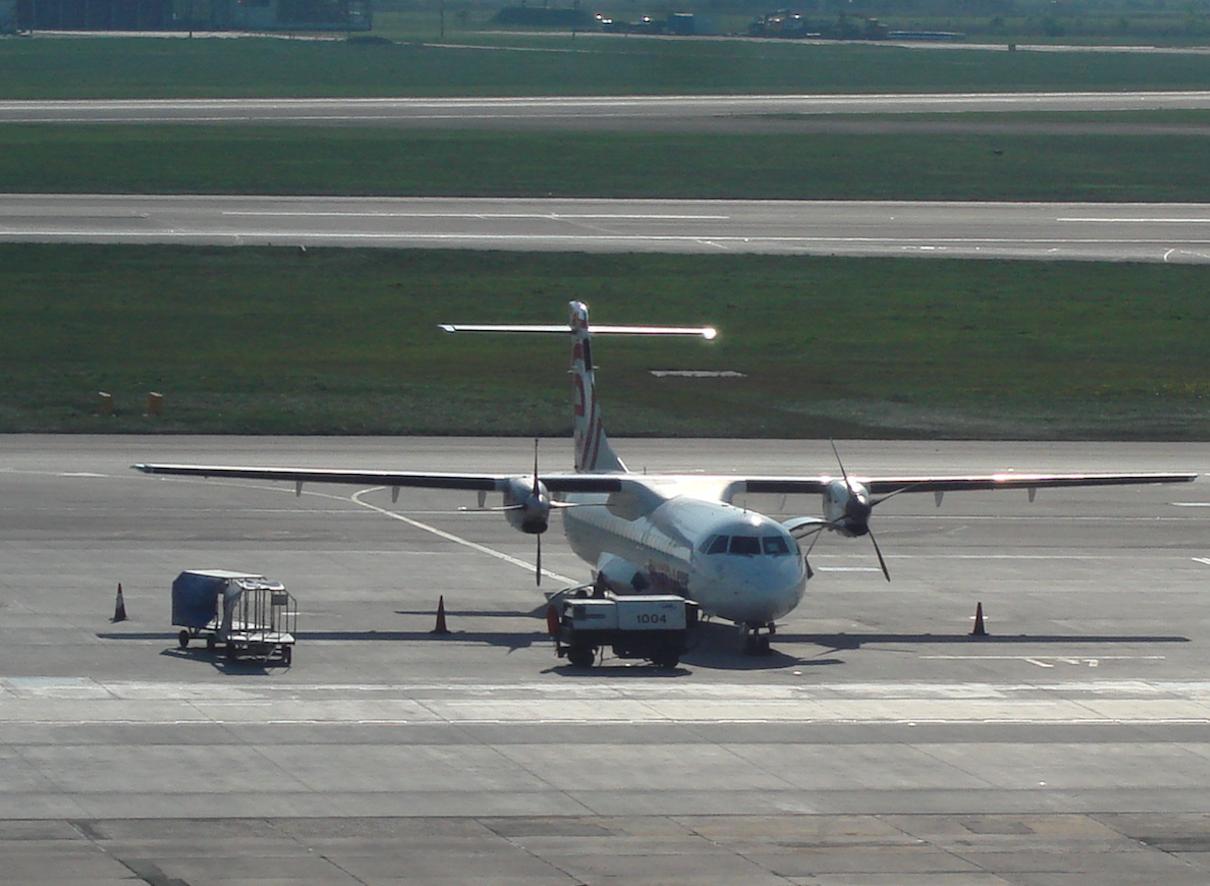 ATR-72. Okęcie in 2009. Photo by Karol Placha Hetman