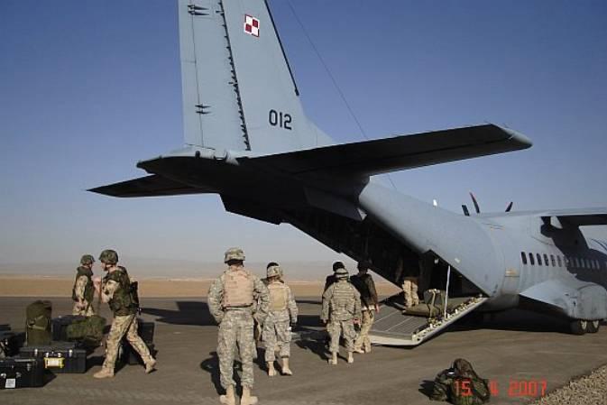 CASA C-295M nb 012 w bazie Sharana, Afganistan 2007r.