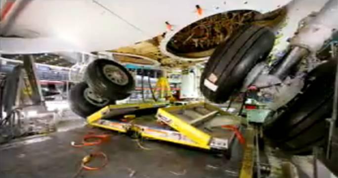 Testy podwozia głównego. Renton 2011r.