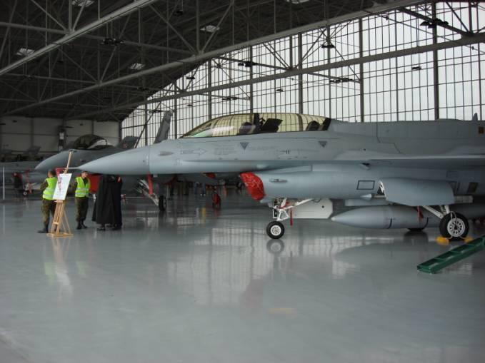 F-16 D nb 4076 Lotnisko Krzesiny 2007r.