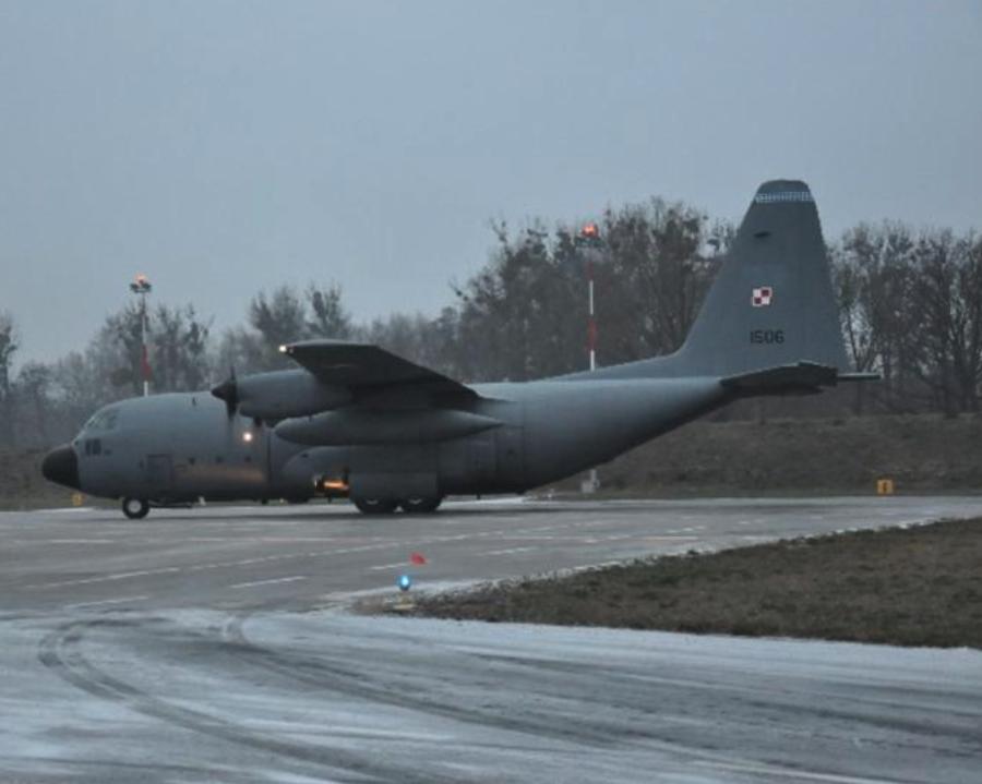 Lockheed C-130 nb 1506 Powidz. Nadplanowy Hercules, który 2010-02-05, podczas lotu uległ awarii. Zdjęcie 2009-12-14, 33. BLTr.