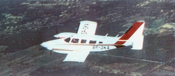 PA-34 Seneca II rejestracja SP-GKA. Już jako samolot szkolny w Rzeszowie. 1982r.