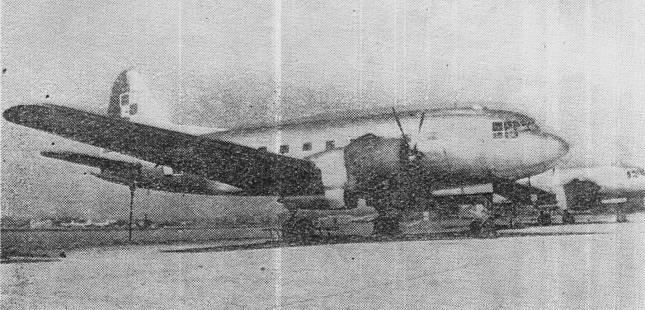 Jedno z nielicznych zdjęć woskowych Ił-12.Samoloty te łatwo rozróżnić od Ił-14 po kształcie usterzenia pionowego.