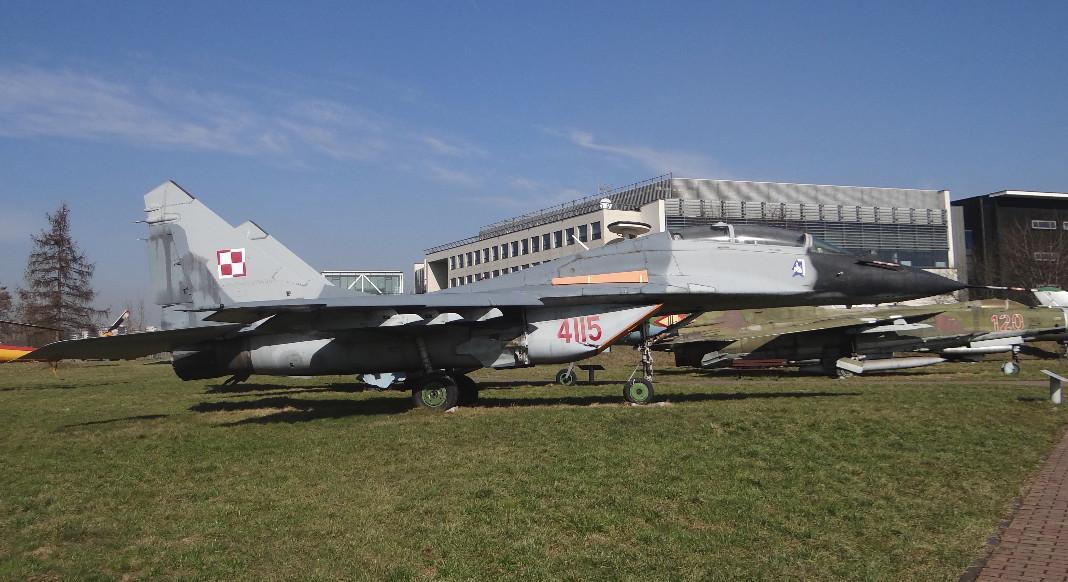 MiG-29 UB nr 06526 nb 4115 w MLP Czyżyny. Ex niemiecki. Służył w Malborku 2005-2007. W 2008 roku, trafił do muzeum w Czyżynach. 2015 rok. Zdjęcie Karol Placha Hetman