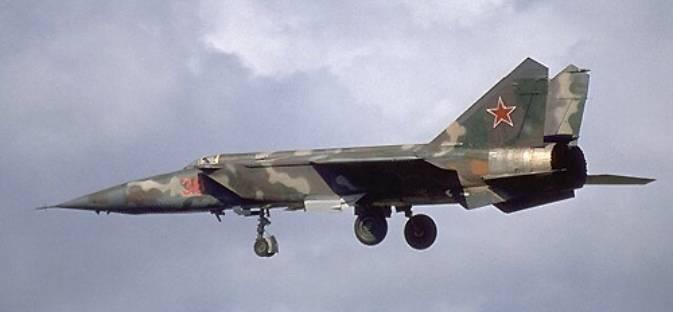 MiG-25 nb 38 w 1980r.