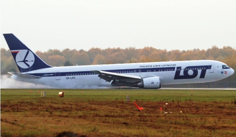 Awaryjne lądowanie. 2011 rok. Zdjęcie LAC
