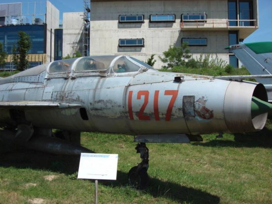 MiG-21 U nb 1217. Czyżyny 2007 rok. Zdjęcie Karol Placha Hetman
