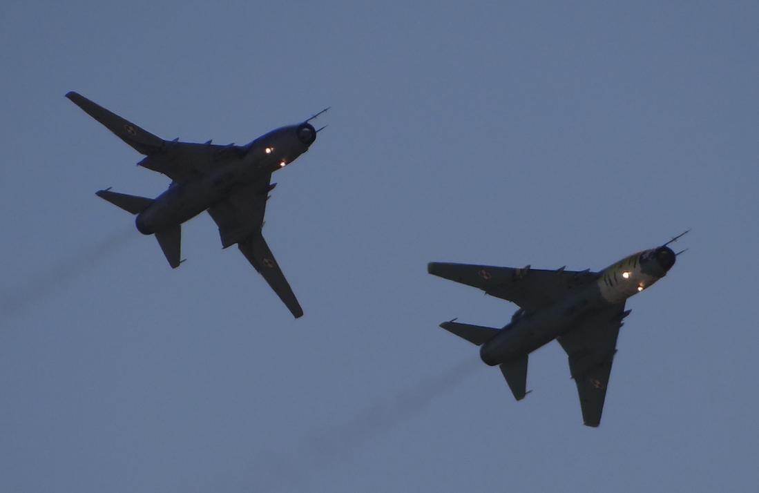 Dwa samoloty Su-22 UM 3 K nb 509 (lewy) nb 707 (prawy) 2017 rok. Zdjęcie Karol Placha Hetman