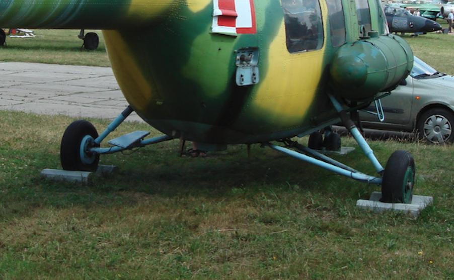 Mi-2. Typowe podwozie główne. 2010 rok. Zdjęcie Karol Placha Hetman