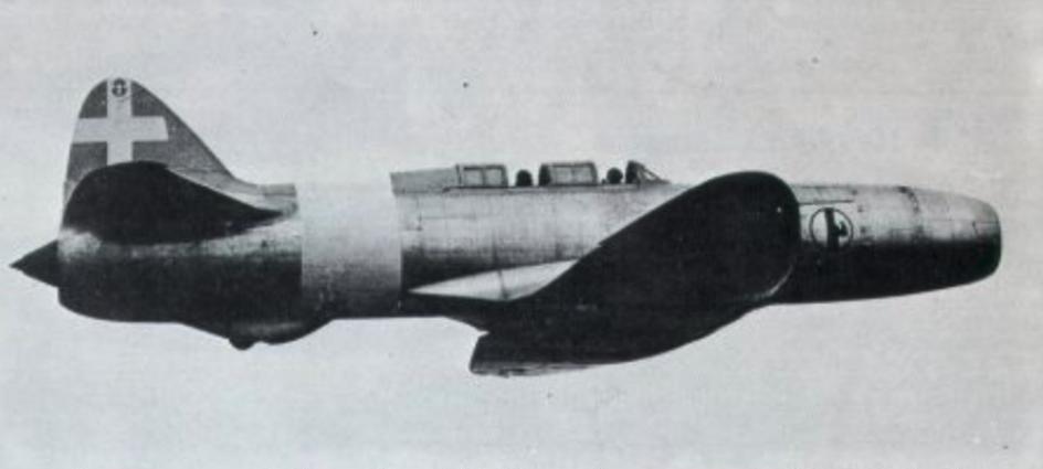 Nowoczesny samolot Caproni Campini C.C.2 z napędem typu motorjet. Zdjęcie Wikipedia