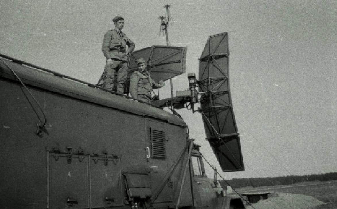 Radar RSP-7T. Lotnisko Kąkolewo 1974 rok. Zdjęcie Wojciech Zieliński