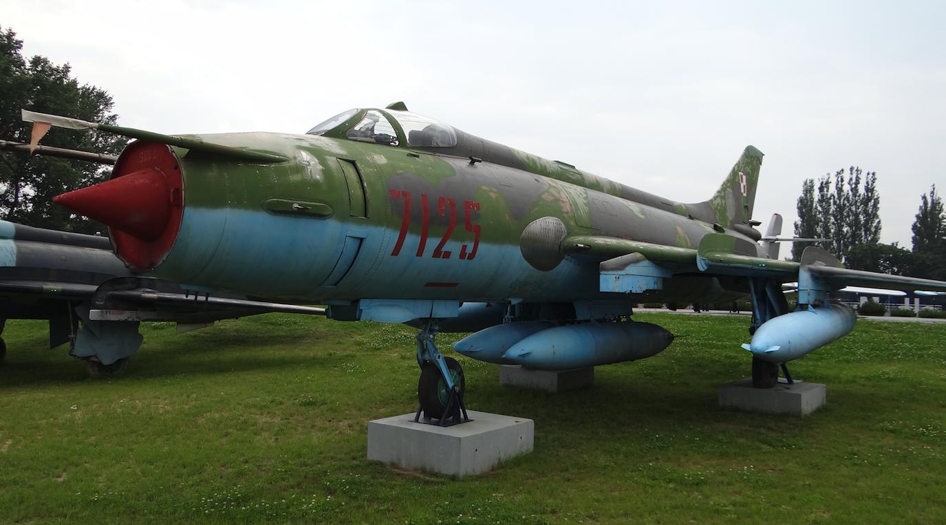 Suchoj Su-20 nb 7125. Dęblin 2012. Photo by Karol Placha Hetman