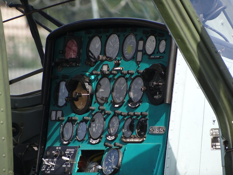 Mi-2, tablica rozdzielcza. 2013 rok. Zdjęcie Karol Placha Hetman