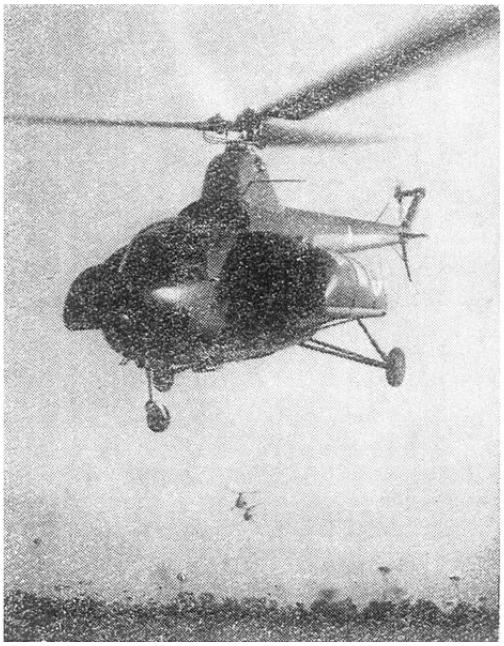 Mi-1 w wersji sanitarnej z bocznymi gondolami dla przewozu rannych i chorych. Zdjęcie WAF