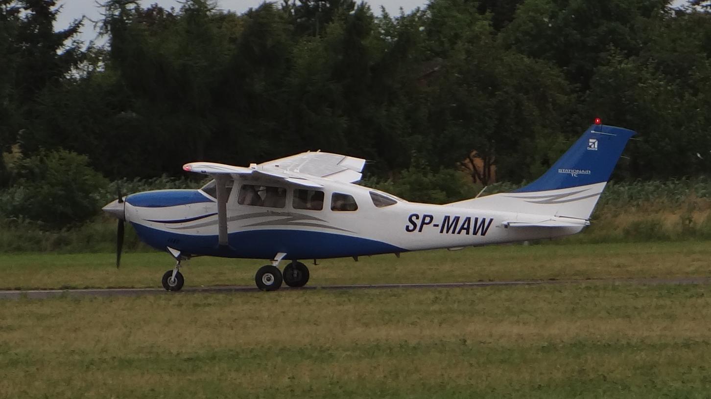 Lotnisko Piotrków Trybunalski. Samolot na RWY. 2018 rok. Zdjęcie Karol Placha Hetman